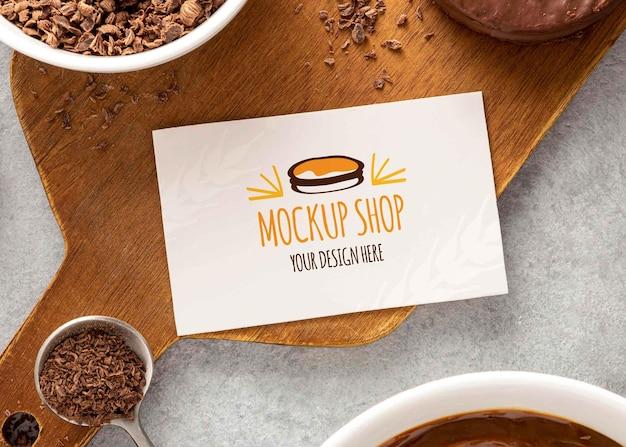 Biscuits alfajor avec conception de maquette de carte de visite