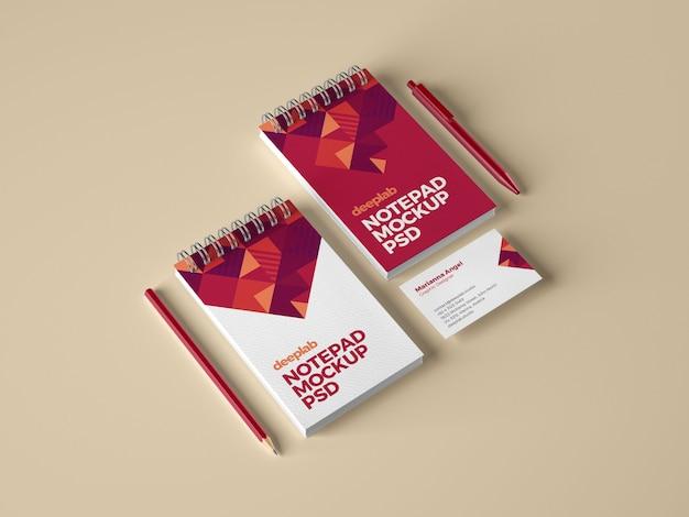 Bloc-notes et maquette de marque de carte de visite