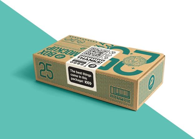 Boîte en carton d'emballage avec maquette d'étiquette autocollante