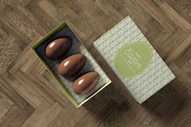 Boîte avec oeufs en chocolat pour pâques