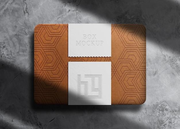 Boîte en relief de luxe avec maquette de sceau