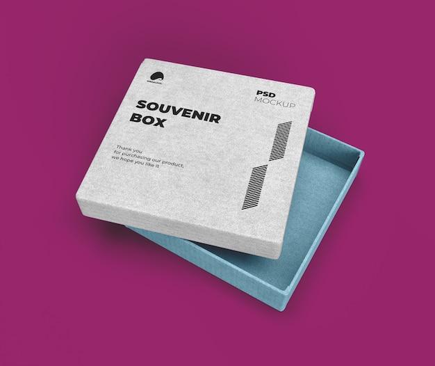 Boîte souvenir avec maquette de couvercle ouvert