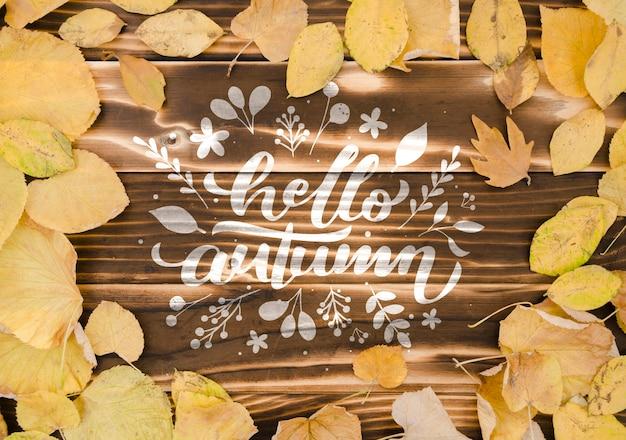Bonjour concept automne sur fond en bois