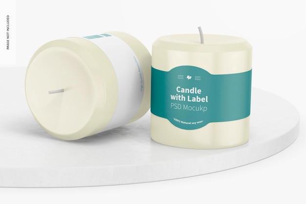 Bougies avec maquette d'étiquette, debout et lâchées