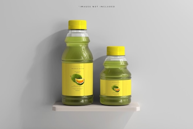Bouteilles de boisson sur une maquette d'étagère