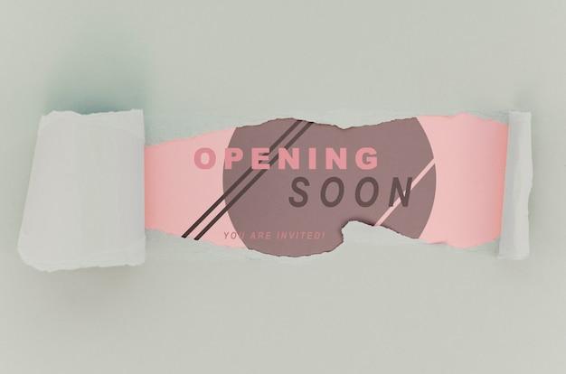 Une boutique de vêtements vue de dessus ouvre bientôt une maquette sur papier