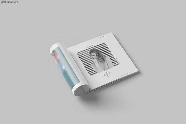 Brochure carrée et maquette de catalogue isolée