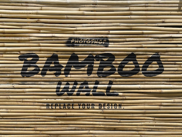 Brosse sur une maquette réaliste de mur de bambou