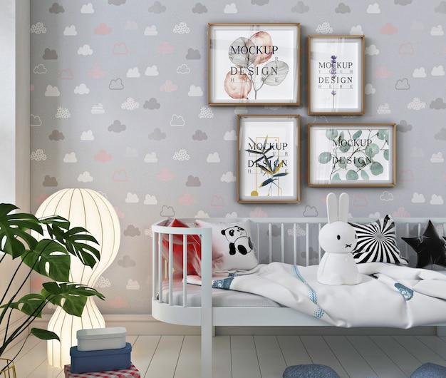 Cadre d'affiche de maquette dans la chambre de bébé moderne