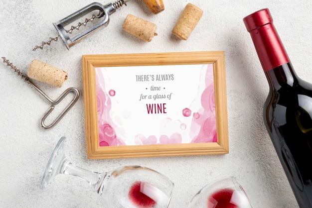 Cadre avec bouteille de vin