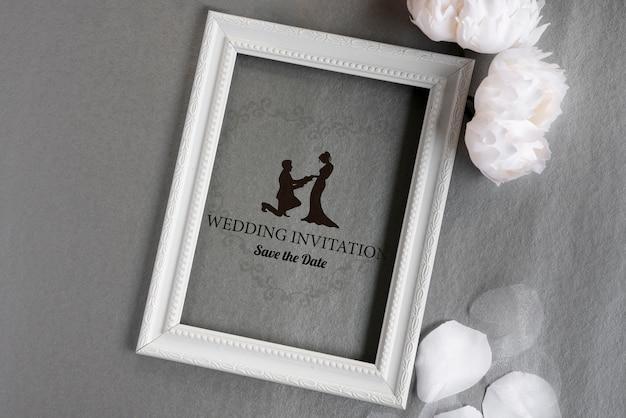 Cadre avec invitation de mariage mignon