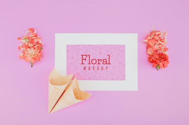Cadre de maquette floral vue de dessus