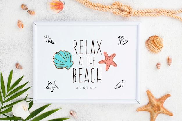 Cadre avec message nautique d'été