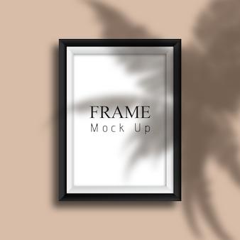 Cadre photo maquette avec superposition d'ombres