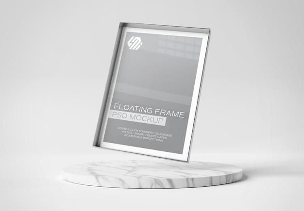 Cadre photo en métal flottant sur une maquette de podium en marbre