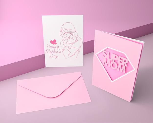 Carte de fête des mères et enveloppe avec maquette
