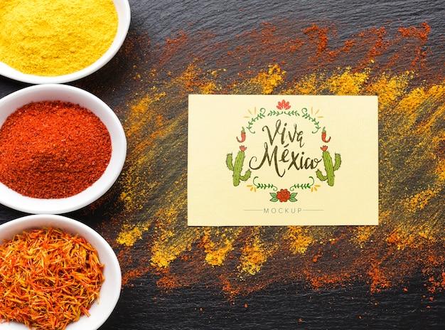 Carte maquette viva mexico avec cadre de cactus et d'épices