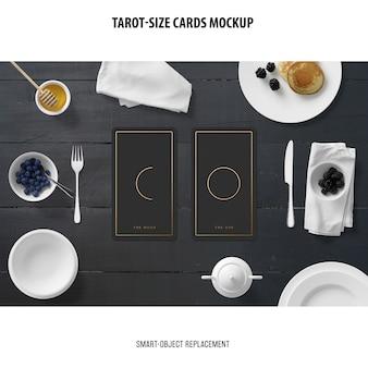 Carte de tarot avec maquette d'estampage