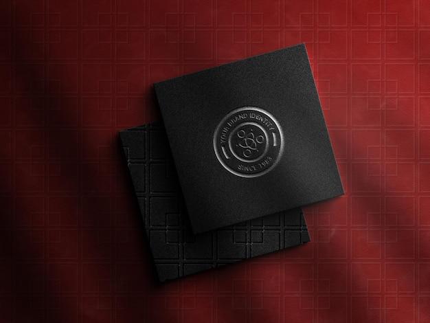Carte de visite carrée de luxe avec maquette de logo