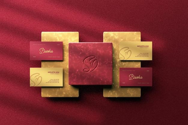Carte de visite de luxe vue de dessus avec conception de maquette de logo