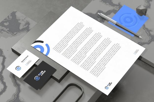 Carte de visite avec maquette de papeterie de marque de document en-tête