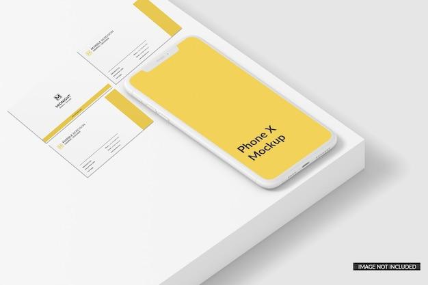 Carte de visite avec maquette de téléphone
