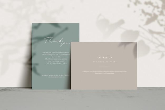 Cartes d'invitation avec ombre d'arbre