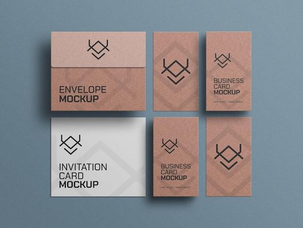 Cartes de visite en papier artisanal avec maquette d'enveloppes