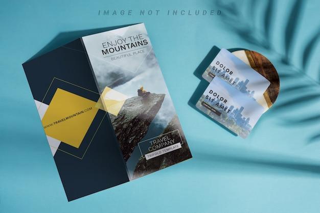 Cartes De Visite Vierges Et Brochure Maquette. PSD Premium