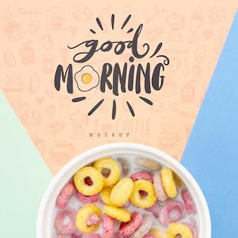 Céréales avec du lait et un bon message du matin