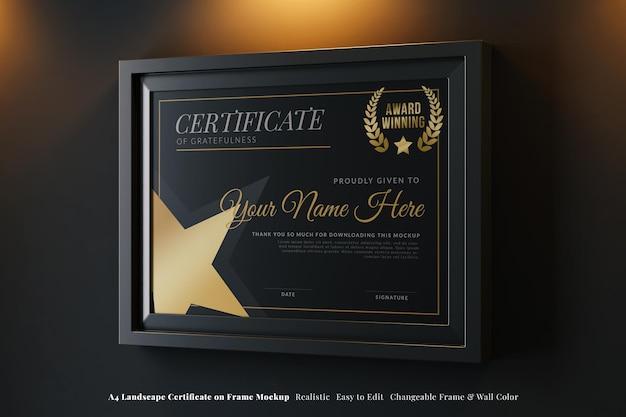 Certificat horizontal a4 moderne sur une maquette réaliste du cadre dans un intérieur noir élégant