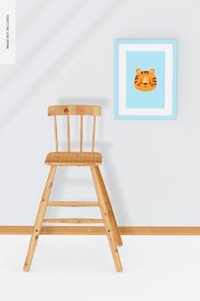 Chaise haute en bois pour enfants avec maquette murale