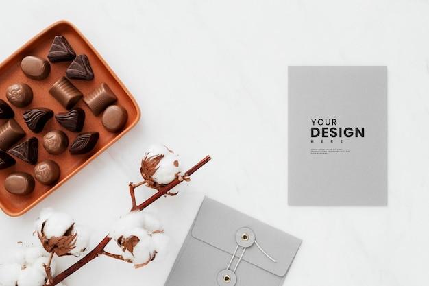 Chocolat de la saint-valentin par une maquette de carte
