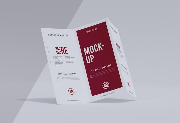 Composition de maquette de brochure isolée sur blanc