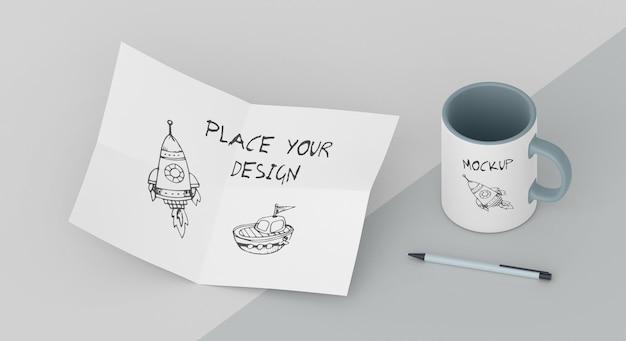 Composition de maquette de tasse personnalisée