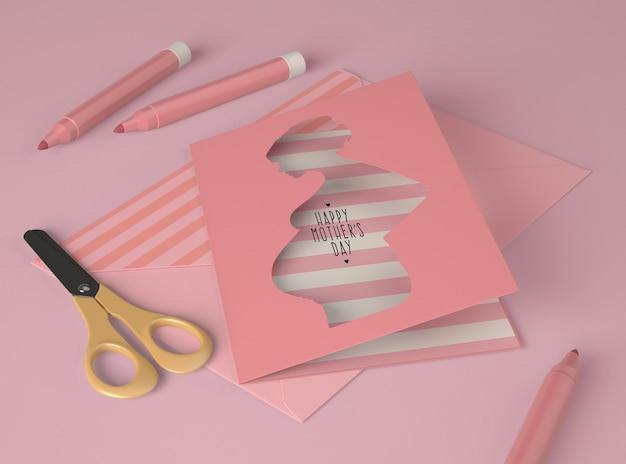 Composition pour la fête des mères avec maquette de carte