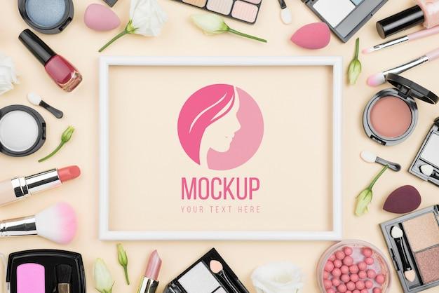 Concept de beauté avec des produits de maquillage
