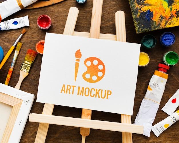 Concept de bureau d'artiste avec support en toile