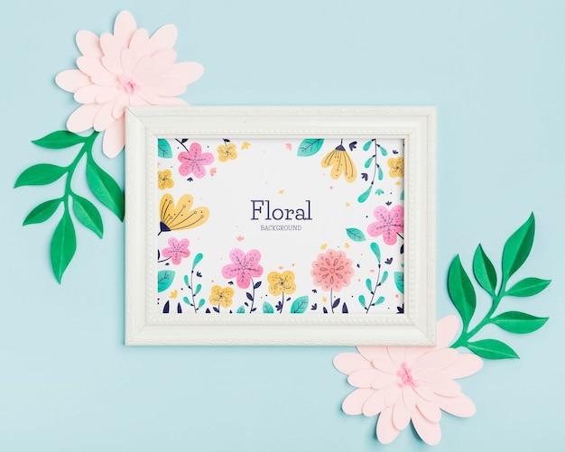 Concept de cadre floral vue de dessus avec des fleurs