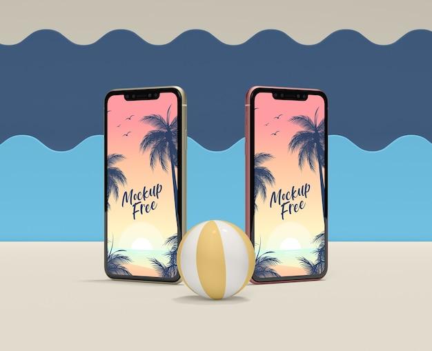 Concept d'été avec appareils et ballon