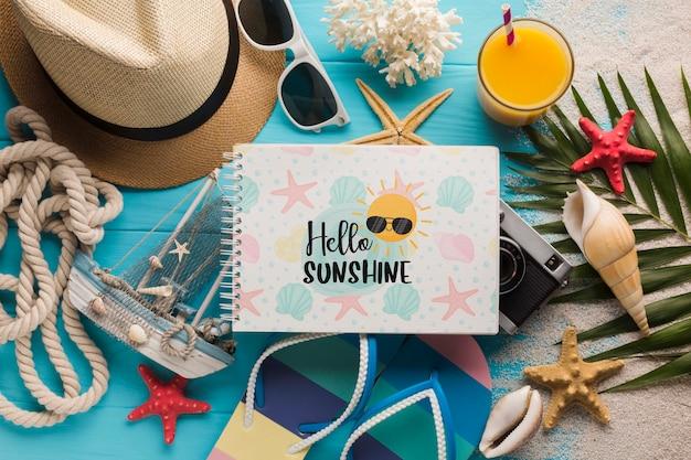 Concept de l'heure d'été vue de dessus avec des lunettes de soleil