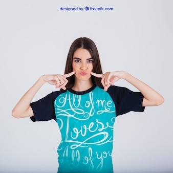Concept imprimé t-shirt féminin