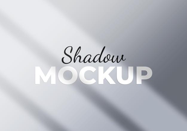 Concept de lumière d'ombre de fenêtre de fond abstrait sur un mur blanc