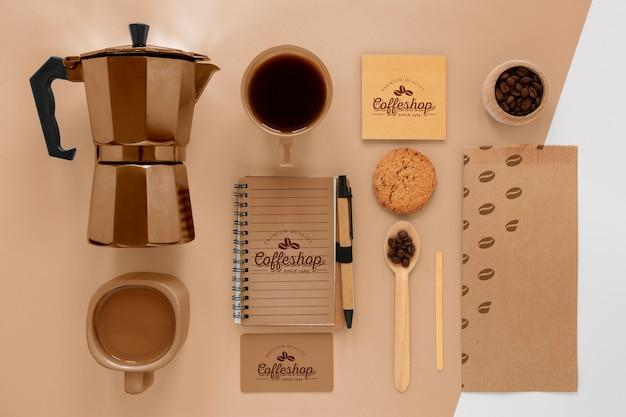Concept de marque de café avec des grains de café au-dessus de la vue