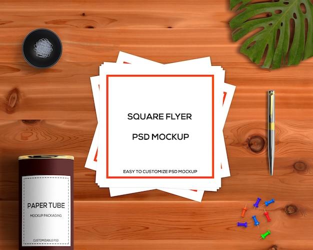 Concept de papeterie avec maquette de flyer carré