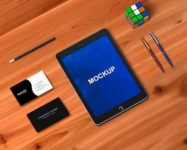 Concept de papeterie avec maquette de tablette