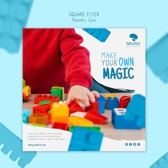 Conception de flyer carré concept de soins pédiatriques