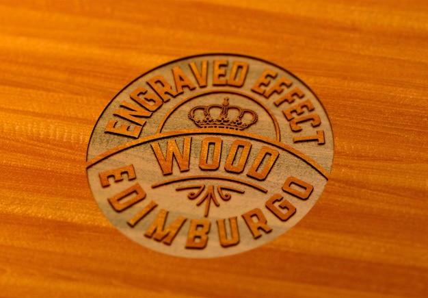 Conception de maquette de fffect en bois gravé isolée