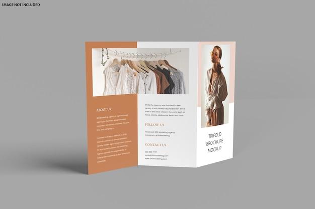 Conception de maquette à trois volets de brochure isolée