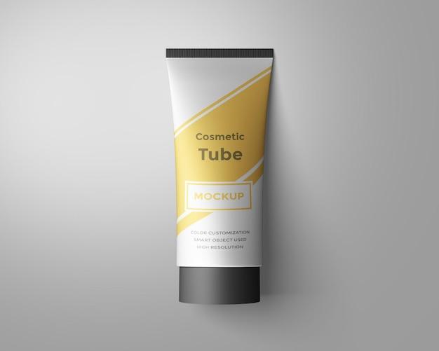 Conception de maquette de tube cosmétique isolée